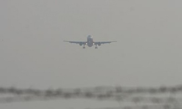 Pesawat Gagal Mendarat Akibat Kabut Yang Sangat Tebal