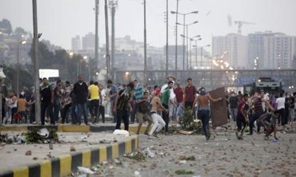 Terjadi Bentrokan Polisi dan Mahasiswa di Mesir