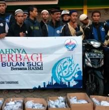 HASMI Sukses Sebarkan 3500 Paket Berbuka Dalam Ta'jil On The Road Jabodetabek & Bandung (8)