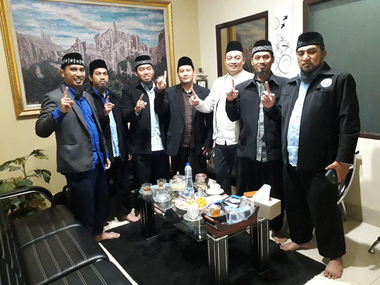 HASMI Berkunjung Ke AQL Binaan Ust Bachtiar Natsir