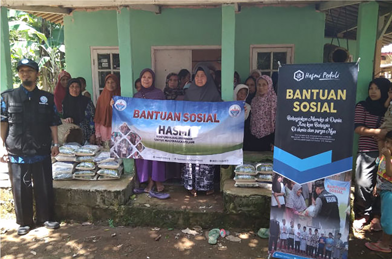 HASMI Peduli Dhuafa – Penyaluran Paket Bantuan Untuk Dhuafa