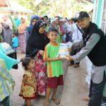 HASMI Peduli Sosial – Tebar Paket Sembako di Desa Ciranjang Cianjur