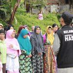 HASMI Menyerahkan 160 Paket Bantuan Sosial Di Kp Cibulao – Bogor