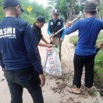 Sambut Ramadhan – HASMI Bogor Bersih Bersih Lingkungan Di Tajurhalang