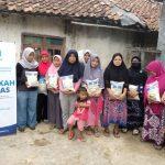 HASMI Berbagi Paket Pangan untuk Yatim dan Dhuafa Kp Cibanteng – Bogor